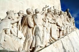 The sculpture represents the vision of the king leading people from different walks of life to discovery of new lands.